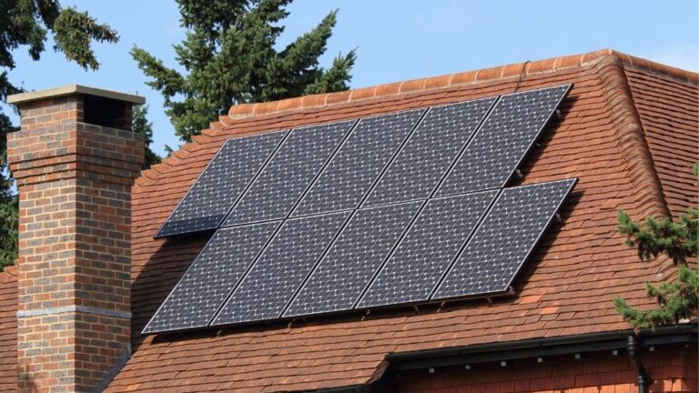 Am Group Solar, SKOMAT fotowoltaika, fotowoltaika czy dach ma znaczenie, panele słoneczne